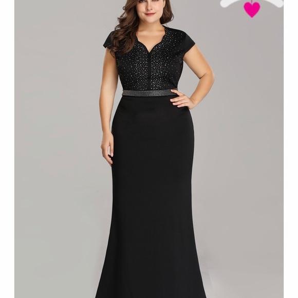 🆕Plus Size Cap Sleeve Beaded Black Evening Dress Boutique